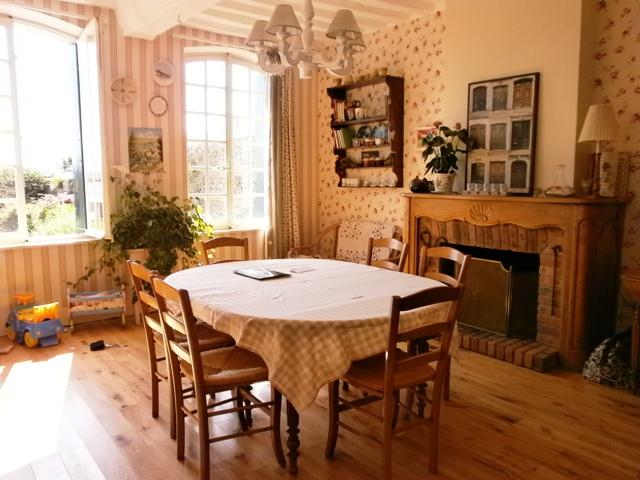 acheter vente d 39 une maison ancienne du xviii me en bord de seine proche de caudebec en caux. Black Bedroom Furniture Sets. Home Design Ideas