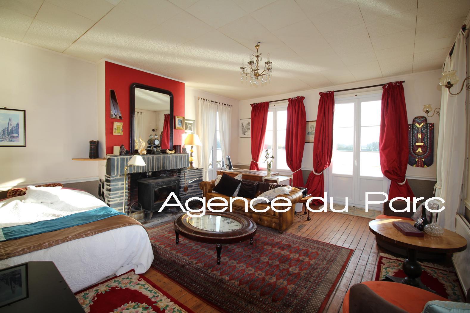 acheter achat d 39 une grande maison de charme avec une vue exceptionnelle sur la seine proche de. Black Bedroom Furniture Sets. Home Design Ideas