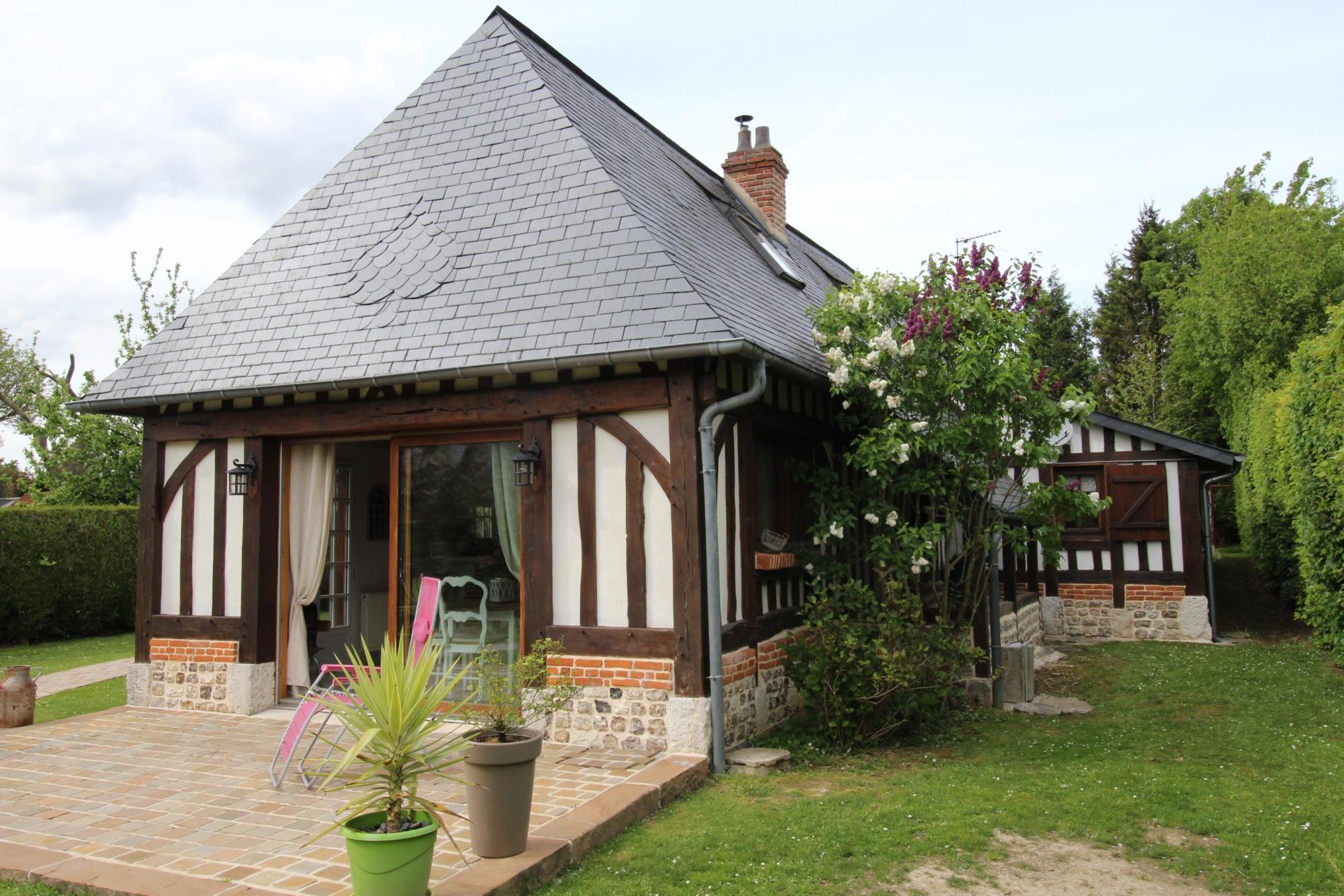 Vente maison normande en tr s bon tat axe caudebec en for Acheter des maisons