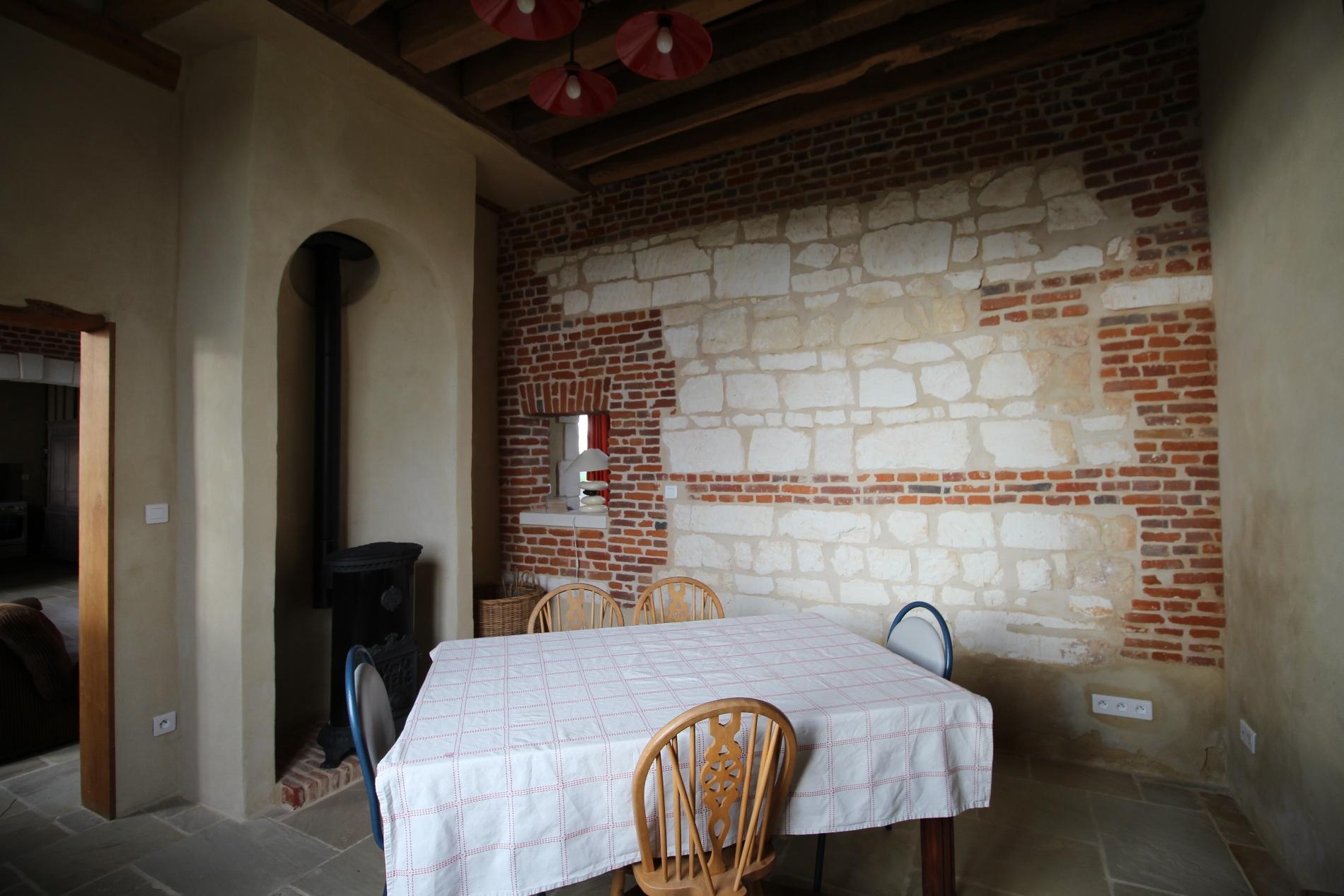 acheter vente d 39 une maison ancienne en briques et pierres. Black Bedroom Furniture Sets. Home Design Ideas