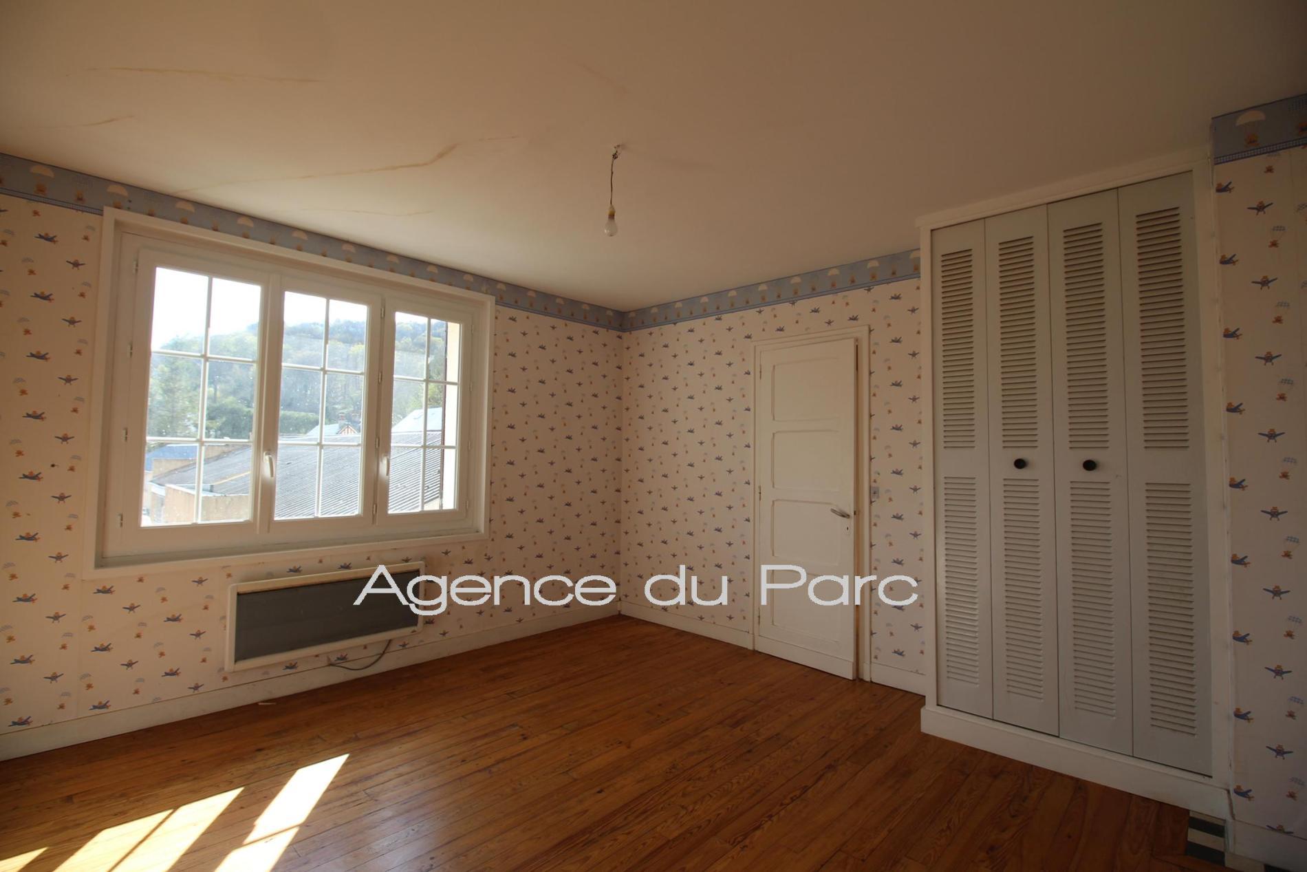 Acheter achat d 39 une maison de village de bord de seine for Acheter une maison par agence immobiliere