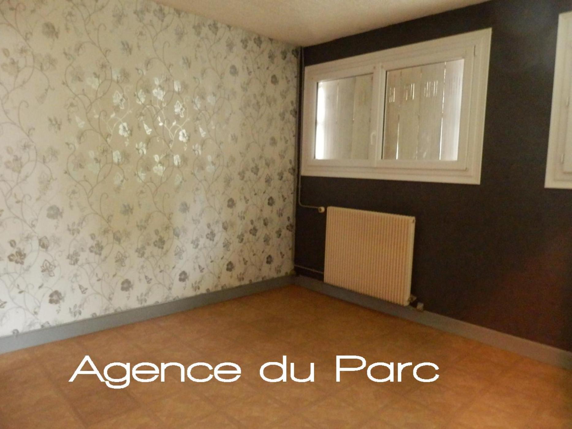 acheter vente d 39 un appartement f4 en duplex centre ville de caudebec en caux normandie 76. Black Bedroom Furniture Sets. Home Design Ideas