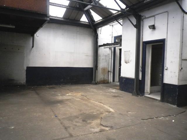 Acheter hangar vendre caudebec en caux centre ville 76 for Acheter garage investissement