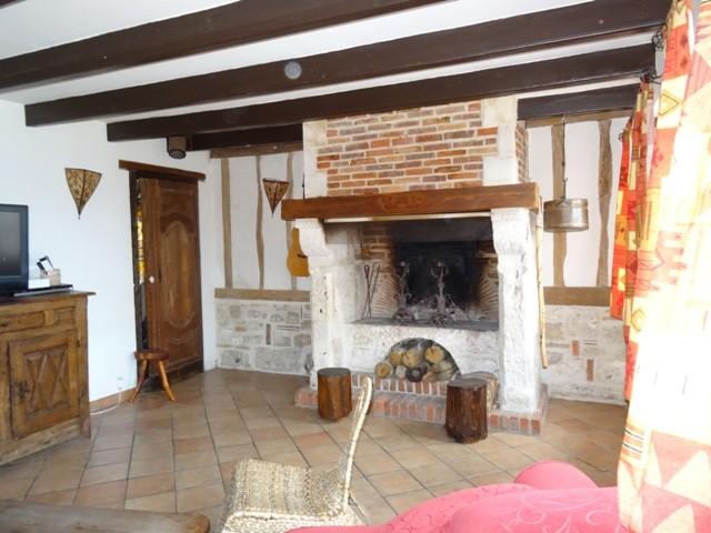 acheter vente d 39 une charmante maison ancienne axe caudebec. Black Bedroom Furniture Sets. Home Design Ideas