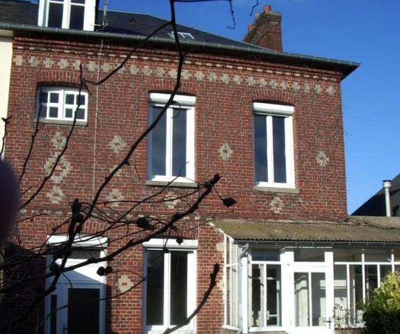 À Yvetot Trois Blessés Après La Chute D Un Balcon: Acheter Vente D'une Maison De Ville Yvetot 76 Au Coeur Du