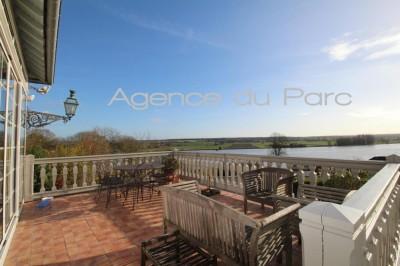Achat d'une grande maison de charme avec une vue exceptionnelle sur la Seine Campagne de Caudebec en Caux, Proche Pont de Brotonne, 76, Entre Rouen et le Havre, à 1h30 de Paris.
