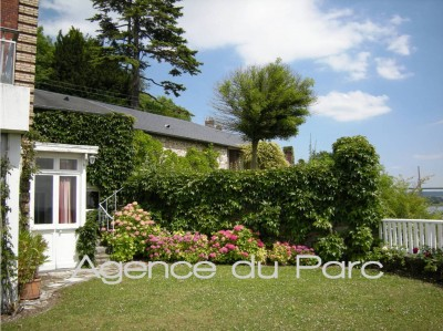 Achat d'une grande maison de caractère  Caudebec en Caux, 76, Vallée de Seine   avec une magnifique vue sur Seine