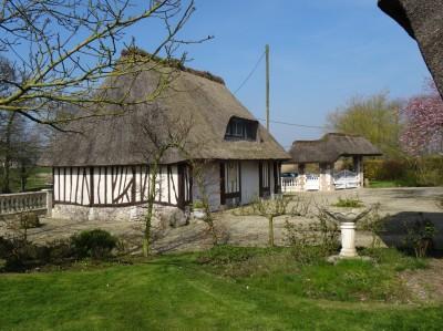 vente propriété normande avec dépendance à colombages aménageable en Normandie