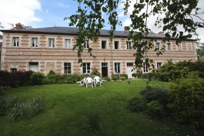 Achat d'une grande maison de caractère  TAxe Rouen/ Le Havre, Haute Normandie, vallée de Seine, bourg tous commerces