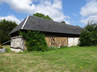 vente d'un bâtiment ancien à réhabiliter en habitation près du Pont de Brotonne