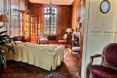 achat d'une maison XVIIIe avec boiseries, cheminées, parquets authentiques près de la forêt d'Eawy