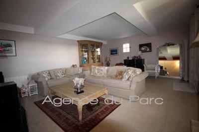 vente d'une maison normande de charme en excellent état, sur 3 ha de terrain, piscine, grande dépendance de 500 m², vue imprenable sur la Seine