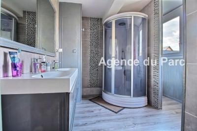 vente d'une belle maison en briques avec 7 chambres entièrement rénovée à Yvetot