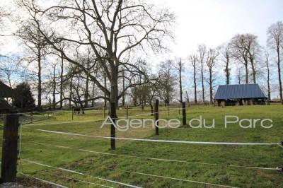 Clos masure de 2,6 hectares avec dépendances Yvetot, au coeur du Pays de Caux, entre Rouen et Le Havre en très bon état
