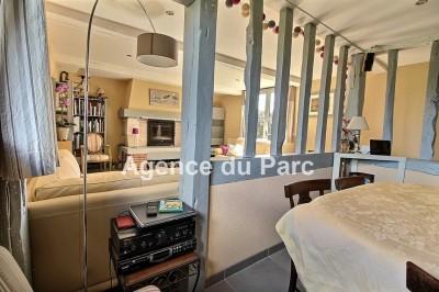 Axe caudebec / Yvetot, achat d'une charmante maison en colombages avec une grande cuisine et véranda, 76