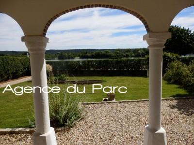 achat en Normandie maison de caractère au bord de la Seine dans un bourg tous commerces