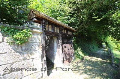 Vaste maison anglo-normande de caractère A Caudebec en Caux, en vallée de Seine, à deux pas du centre ville