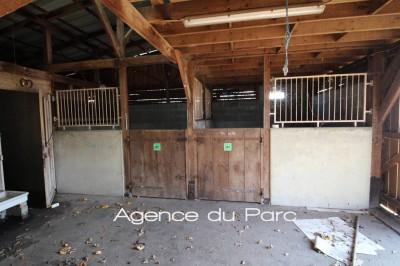 achat d'une chaumière proche de la foret de Brotonne avec des boxes pour amateurs de chevaux