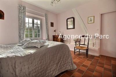 vente d'une maison normande, nichée dans la campagne, au calme offrant 195 m² habitables,6 chambres, un grenier aménageable sur 8000 m² de terrain