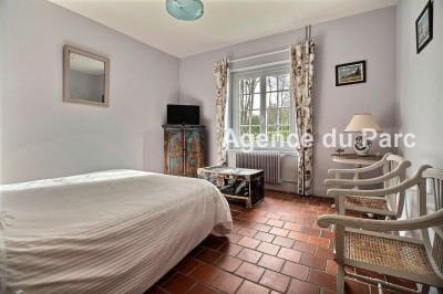 achat d'une maison normande de plain pied avec 5 chambres, grand séjour avec une cheminée en pierres en pays de Caux