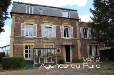 Vente d'une maison bourgeoise T10 Dans un bourg tous commerces de la Vallée de Seine, en Normandie