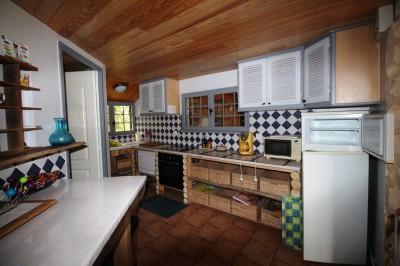 achat d'une maison normande authentique, séjour salon avec cheminée, 4 chambres et un manège offrant séjour et 2 chambres idéal pour gite, chambres d'hôtes près de Caudebec.