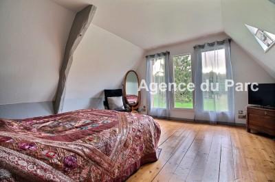 Propriété de caractère  à vendre dans un très bel environnement, au calme, sur 2,5 hectares Dans la campagne de Caudebec en Caux