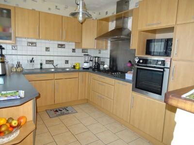 acheter une maison individuelle, très confortable, 3 chambres, une terrasse avec une belle vue