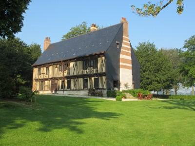 Vente exceptionnelle d'un magnifique manoir normand du fin XV et début XVI ème, à pans de bois Campagne d'Yvetot, 76, à 30 km de la mer,