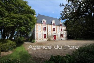 Vente d'un magnifique château de la fin du XVIème entièrement restauré En Normandie, au coeur du Pays de Caux,entre Le Havre et Yvetot, à 30 mn de la mer