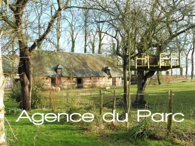 Achat d'un manoir normand proche de Caudebec en Caux, Normandie avec des bâtiments anciens sur 1,12 ha de terrain, dans un bel environnement