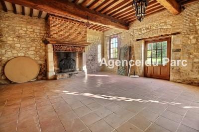 achat d'une maison ancienne, de charme, aux beaux volumes, grand séjour d e100 m² avec une cheminée ancienne