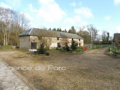 vente d'une propriété ancienne avec dépendances en Normandie sur 2ha5 env dans un environnement boisé