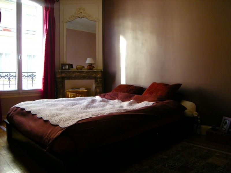 Appartement Familial 5 Pièces 97 m2 75018 Paris T5 Paris 75018 Marché de l'olive, Marx Dormoy. Parquet, moulures, cheminées, balcons, plein sud. Très beaux volumes. Calme et lumineux.