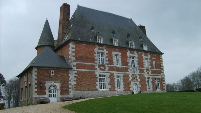 Chateau du XVI ème à louer  entre Rouen et Yvetot, proche des grands axes, 76,  à 1h30 de Paris dans un environnement exceptionnel