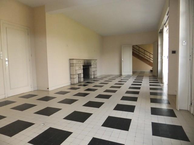Maison de ville spacieuse aux matériaux nobles -pierres, briques et tuiles normandes- Yvetot, 76, quartier gare,