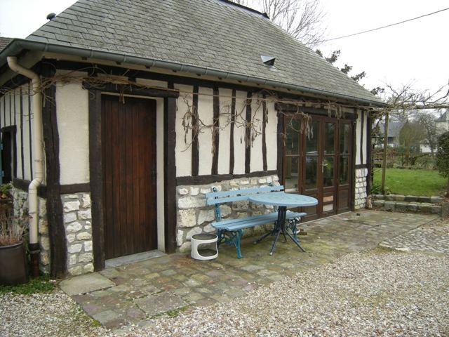 Maison de charme  proche du Pont de Brotonne, 76,  Vallée de Seine,  entre Rouen et Le Havre, en très bon état