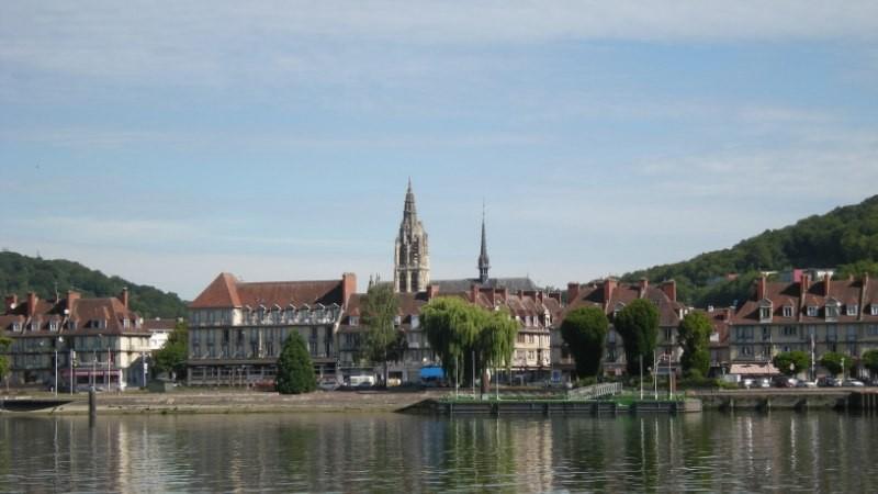 Immeuble à vendre pour investissement locatif à Caudebec en Caux,   76 , entre Rouen et Le Havre, Haute Normandie,