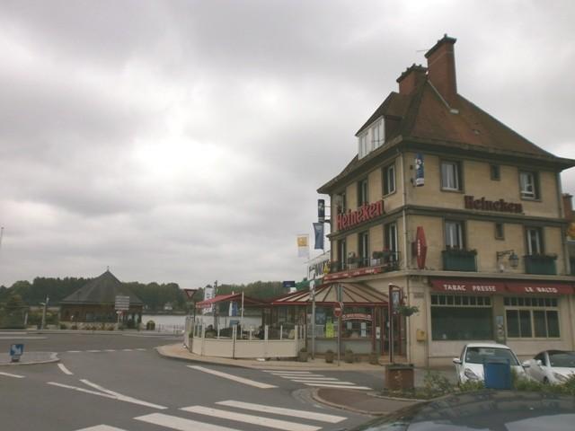 Murs commerciaux à vendre A Caudebec en Caux, Vallée de Seine, entre Rouen et  Le Havre, 76, Pays de Caux Centre ville et bord de Seine,