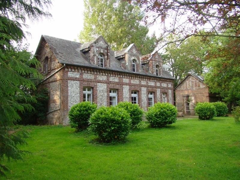 Jolie propriété de caractère au coeur d'un parc de 2 ha 28 en Pays de Caux, entre Rouen et la mer, 76, accès facile à l'A29, à 2h de Paris