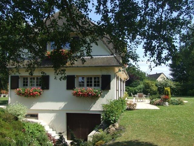 Achat d'une grande maison  Axe Caudebec en Caux / Rouen,  76, à 40 mn de Rouen dans un coin résidentiel,