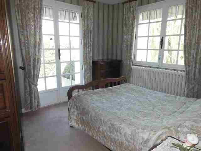 acheter une grande maison avec 4 chambres, dans un bel environnement à 1h30 de Paris et 45 mn de Rouen