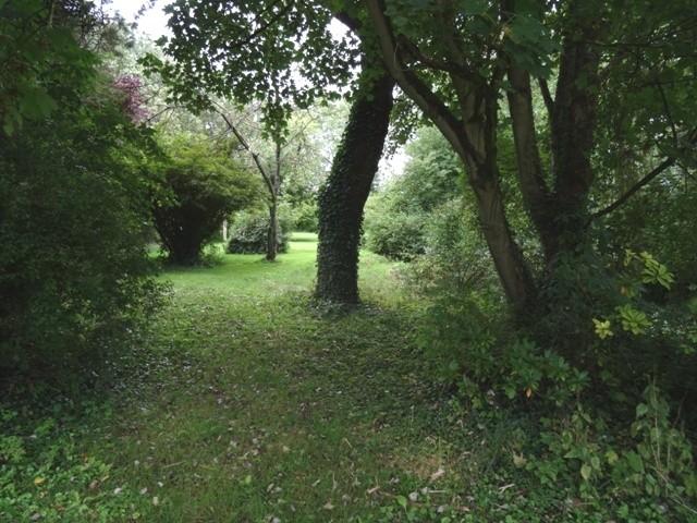 Vente d'une belle propriété du XVII ème A 30 km de Rouen sur l'axe de Paris,en Haute Normandie, proche de la forêt de Lyons
