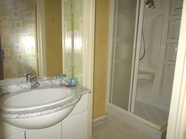 acheter vente d 39 un bel appartement f2 caudebec en caux 76 vall e de seine agence immobili re. Black Bedroom Furniture Sets. Home Design Ideas